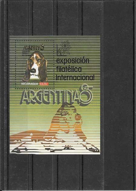 Colección sellos hojita bloc de fauna - perros Nicaragua