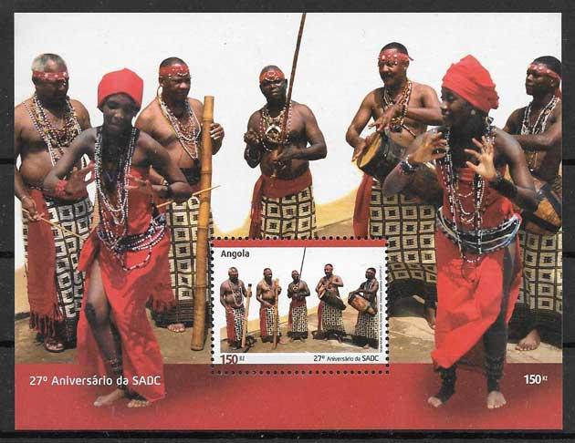 sellos colección arte Angola 2007